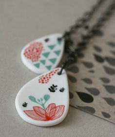 Porcelain necklace  Garden drops by ArtMind on Etsy, €58.50