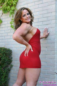 Tara Silzer Short Bob Haircuts, Muscular Women, Muscle Girls, Athletic Women, Lovely Dresses, Beautiful Women, Bodysuit, Bodycon Dress, Feminine
