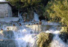 Le sorgenti termali di Fordongianus (OR) , Sardegna , si incontrano ...
