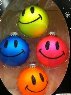 Smileys~ I have these and love them! I put them on a small white fiber optic Christmas tree : )))) Smiley Emoticon, Happy Smiley Face, Happy Faces, Just Smile, Smile Face, Christmas Love, Christmas Ornaments, Christmas Crafts, Merry Christmas