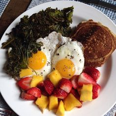 "Does your ""diet"" leave you feeling hungry and/or deprived?! It's the WRONG plan, then!! Here at Watch Your Mouth we believe in whole foods that nourish the body, that leave you feeling satisfied AND energized. We've got eating plans for everyone!! Sunday Morning Breakfast : crispy fried kale, coconut flour pancake, eggs and fresh fruit. Yum! I'm counting it as: 1 green, 1 purple, 1 red, 1 yellow + 1 tsp. #paleo #watchyourmouth #nutrition #health #yoga #recipes #salad #grainfree #glutenfree…"