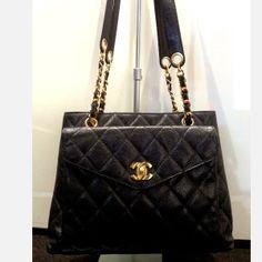 Tip: Chanel Tote (Black)