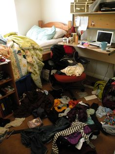 messy bedroom-8 Ways to De-Clutter Your House and Re-Master Your Life!