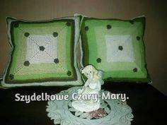 Poduszki w zieleni .