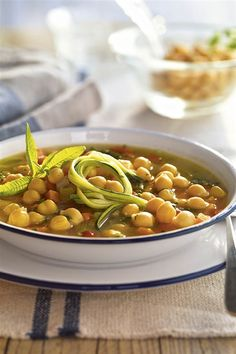 Sopa de garbanzos y verduras. Clean Eating For Beginners, Keto Diet For Beginners, Diet Soup Recipes, Healthy Dinner Recipes, Vegan Recipes, Diet Pills That Work, Healthy Snacks For Kids, Diet Meal Plans, Food Videos