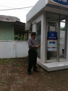 Tingkatkan Kewaspadaan Anggota Polsek Tarik Patroli di ATM Perbankan