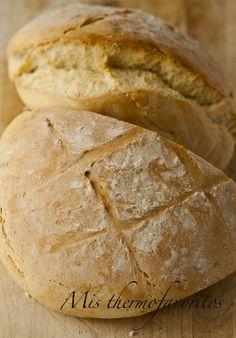 Y tanto que es un milagro! el pan más sencillo y bueno que he probado nunca, tiene una miga espectacular y la corteza crujiente, no necesita...