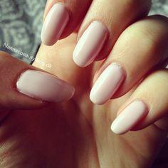 Gellack manicure by Depend. Perfect light pink color! http://nannasbeautyblog.dk/