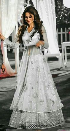 Indian Gowns Dresses, Indian Fashion Dresses, Dress Indian Style, Indian Designer Outfits, Pakistani Dresses, Indian Outfits, Girls Dresses, Lehenga Designs, Salwar Designs