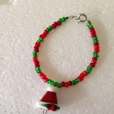 Santa Hat Bracelet Beaded Handmade Christmas Holiday Child Small Wrist Jewelry #DavenportDesigns #Traditional