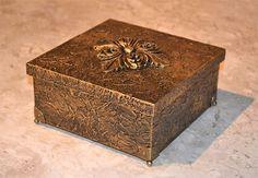 Caixa de MDF com tratamento de texturização metalizada