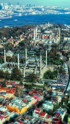 An amazing view of Hagia Sofia the Blue Mosque and the Bosphorus Straits in Istanbul. Here you relax with these backyard landscaping ideas and landscape design. Turkish Architecture, Ancient Architecture, Mosque Architecture, Wonderful Places, Beautiful Places, Visit Istanbul, Istanbul Travel, Visit Turkey, Blue Mosque