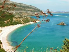 Portinho da arrabida (Setubal), such an amazing landscape, close to Lisbon, Portugal Places In Portugal, Visit Portugal, Portugal Travel, Setubal Portugal, Places To Travel, Places To See, Parque Natural, Famous Places, Beautiful Beaches