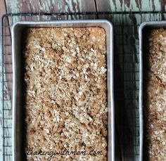 Apple Cinnamon Bread With Crumb Topping is moist and full of fall flavor. Apples and cinnamon make this bread delicious and a family favorite. Enjoy this with a cup of hot cider.