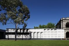 Completed in 2014 in Caulfield, Australia. Images by John Gollings, Dianna Snape, Henry Lam. The Learning Project evolved through the master planning of Caulfield Grammar School's three metropolitan campuses. Learning Spaces, Learning Environments, Learning Centers, Grammar School, Australian Architecture, Amazing Architecture, Steam School, Prefabricated Structures, University Of Melbourne