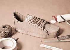 Le sneakers di culto scarpe in cartone di Chris Anderson  Cardboard Shoes  www.ecoliving.it
