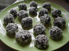 Chia Protein Packed Chocolate Orbs (Raw - Vegan - Healthy!)