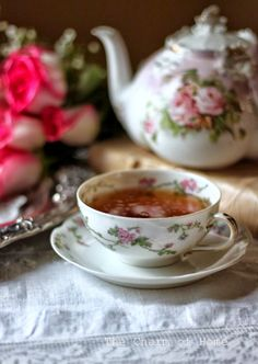 Raindrops and Roses Coffee Time, Tea Time, Vegan Teas, Café Chocolate, Raindrops And Roses, Cuppa Tea, Tea Blends, Tea Service, My Cup Of Tea
