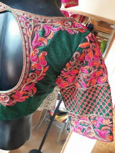 Wedding Saree Blouse Designs, Silk Saree Blouse Designs, Blouse Patterns, Blouse Outfit, Work Blouse, Magam Work Designs, Bridal Bun, Indian Wear, India Jewelry