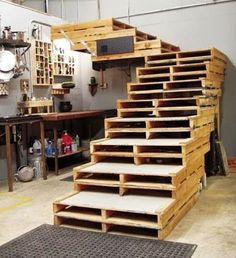 Escalera realizada con palets - Decoracion Hogar - Google+
