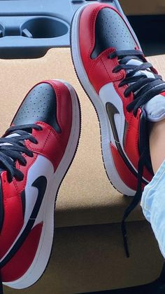 Red Nike Shoes, Dr Shoes, Cute Nike Shoes, Swag Shoes, Cute Sneakers, Hype Shoes, Shoes Sneakers, Jordan Shoes Girls, Girls Shoes