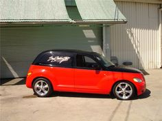 2001 CHRYSLER PT CRUISER CUSTOM STATION WAGON - Barrett-Jackson Auction Company - World's Greatest Collector Car Auctions