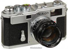 Nikon Camera Protective Case #camerawhore #CameraNikon Nikon Slr Camera, Dslr Camera Reviews, Digital Camera Lens, Rangefinder Camera, Camera Gear, Film Camera, Nikon Cameras, 35mm Film, Museum