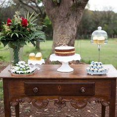Faça Você Mesmo Arranjo da Mesa de Bolo | Blog de Casamento DIY da Maria Fernanda