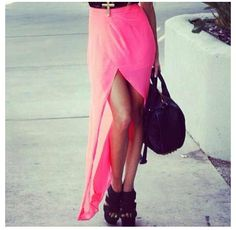 High-low hem skirt. The best way to flaunt those gorgeous pins!