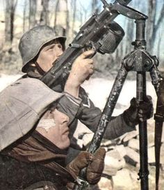 MG 34 on tri-pod Mg34, German Uniforms, Ww2 Photos, German Army, Military Art, Luftwaffe, War Machine, Colorful Pictures, Armed Forces