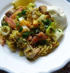 Luxuriöses Kedgeree - Sadri Reis mit geräucherten und frischen Lachs