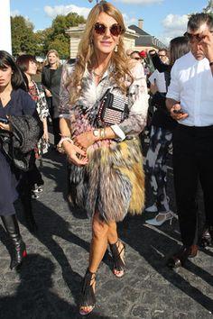 Anna Dello Russo in total look di Fendi collezione primavera/estate 2013 e occhiali da sole di Miu Miu.
