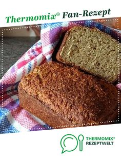 Haferflockenbrot (ohne Mehl) Oatmeal bread (without flour) from Hellmi. A Thermomix ® recipe from the Bread & Buns category at www.de, the Thermomix ® Community. Paleo Oatmeal, Oatmeal Bread, Healthy Dessert Recipes, Healthy Chicken Recipes, Desserts, How To Eat Paleo, Food To Make, Pan Sin Gluten, Paleo Bread