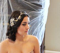 Bridal hair vine Wedding headpiece Pearl hair vine by treasures570