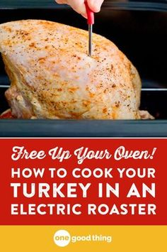 Healthy Recipes : Illustration Description Check out this easy method for cooking a juicy, delicious turkey in a countertop electric roaster. It turns out perfectly, and frees up your oven! Turkey Recipe Roaster Oven, Roaster Oven Recipes, Turkey In Oven, Turkey Rub, Turkey Wings, Turkey In Electric Roaster, Electric Roaster Ovens, Best Roasted Turkey, Turkey Cooking Times