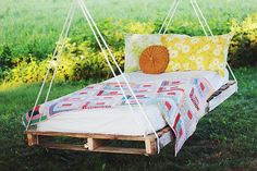 hanging swings around fire pit | DIY Pallet Swing Bed