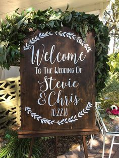 We love this rustic wedding sign! Welcome to the wedding of reception sign