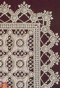 Knitted doily from motifs. Crochet Table Runner Pattern, Crochet Tablecloth, Crochet Doilies, Irish Crochet Patterns, Crochet Flower Patterns, Crochet Designs, Crochet Flower Tutorial, Crochet Instructions, Crochet Squares