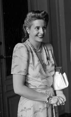 Eva Perón, 1947. People Talk, Good People, President Of Argentina, Sun In Taurus, Charity Event, Queen, Pretty Woman, Actresses, Female
