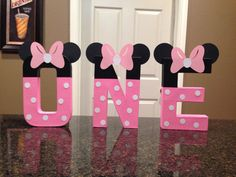 These are priced per letter Please make sure to order the correct quantity of letter from the drop down box to spell the name you would like These custom made letters are painted and decorated to look like the Minnie Mouse and are 8 tall. These are lightweight and made of mâché