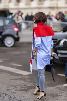 Finally a snap from the back of Mira's most recently talked about JW Anderson knit bib…