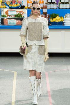 Chanel Fall 2014 Ready-to-Wear Fashion Show - Kid Plotnikova (WOMEN)