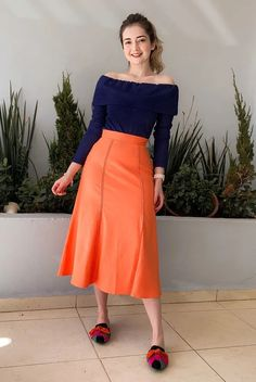 Cute Modest Outfits, Casual Outfits, Jw Moda, Trousers Women Outfit, Cute Fashion, Fashion Outfits, Full Midi Skirt, Church Outfits, Casual Looks