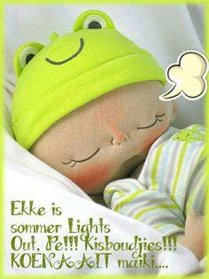 by Casie (BeBe Babies & Friends) Sock Dolls, Felt Dolls, Doll Toys, Baby Dolls, Sewing Dolls, Doll Tutorial, Little Doll, Waldorf Dolls, Diy Doll