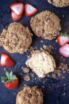 Yes, please! Strawberry-maple streusel muffins  via @kumquatblog #glutenfree. gluten free, gluten free recipes, gluten free food