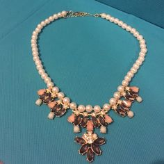 Peal necklace BEAUTIFUL pearl necklace! Never worn and in perfect condition Jewelry Necklaces