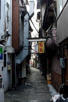 Backstreet in Japan 路地裏