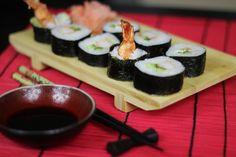 Jak zrobić Sushi Maki z Krewetką w Tempurze ? - Wyśmienite sushi ze smażoną krewetką w tempurze przygotowane na Video. Jesteśmy pewni że smak tej przekąski przeniesie Was do kulinarnego raju, nie wierzycie? Sprawdźcie :)