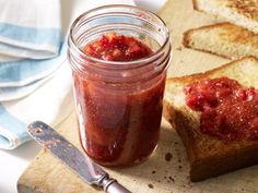 Farmers' Market Recipe Finder: Strawberries: Quick Strawberry Jam http://www.prevention.com/food/healthy-recipes/farmers-market-recipe-finder-strawberries?s=14&cm_mmc=Recipe-of-the-Day-_-1722434-_-06032014-_-strawberry-chicken-salad-Image