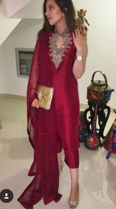 5 most ordinarily but striking Salwar Suit Blend for 2019 – MIFT R and D Salwar Designs, Kurti Designs Party Wear, Pakistani Dress Design, Pakistani Outfits, Indian Outfits, Pakistani Party Wear, Party Wear Indian Dresses, Indian Attire, Indian Wear